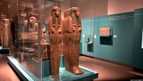 La-porta-dei-sacerdoti,-i-sarcofagi-di-Deir-el-Bahari